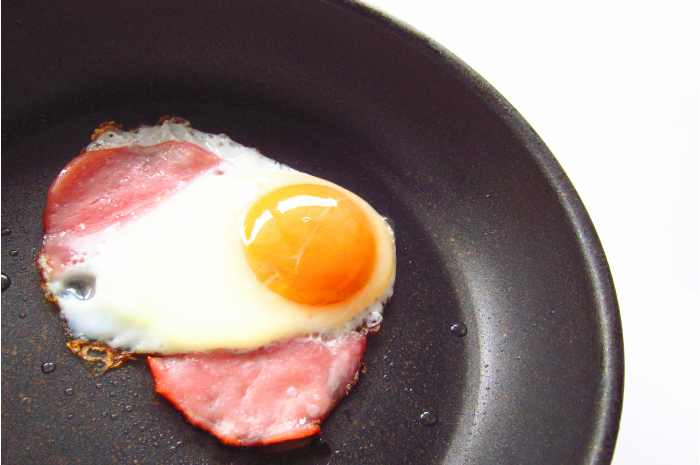 This is a classic!ham and eggs