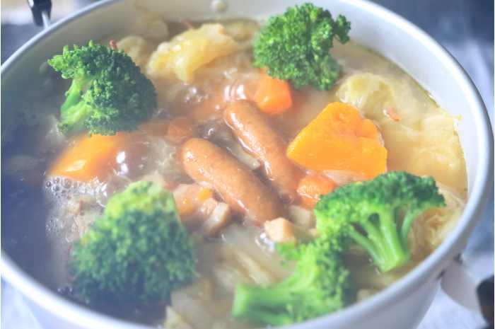 Just add vegetables and simmer!Easy pot-au-feu