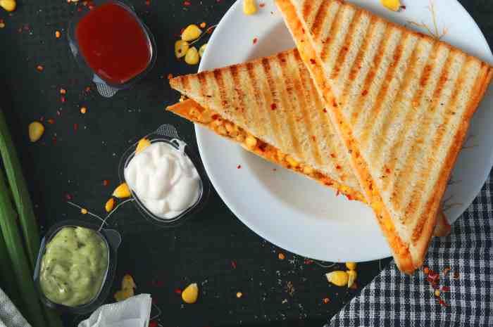 Put your favorite ingredients in between!Hot sandwich