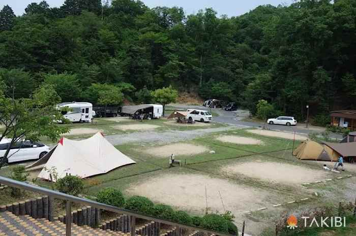十二坊温泉ファミリーキャンプ場(滋賀)