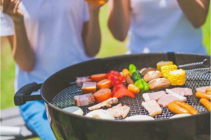 キャンプ飯で美味しい肉料理を作るポイントとレシピまとめ
