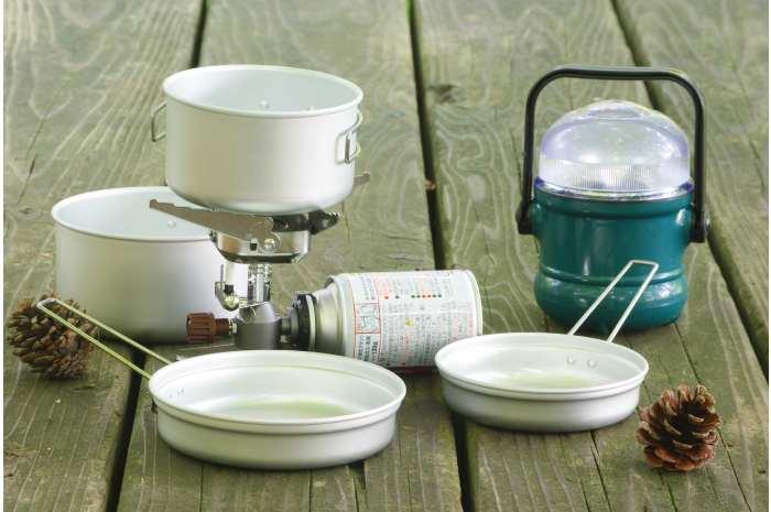 キャンプ用の調理道具を揃える