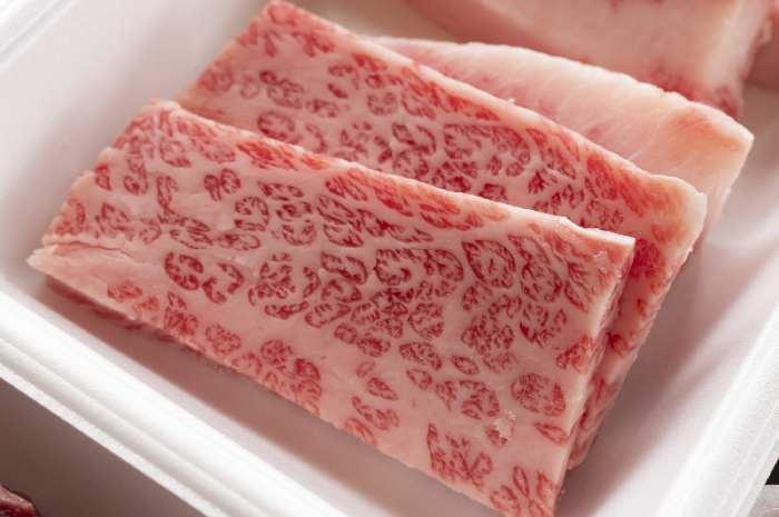 キャンプ飯で食べたいおすすめ肉料理~牛肉編~