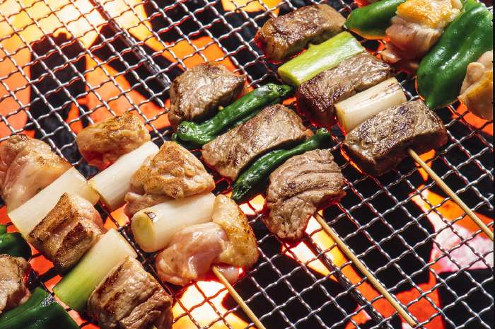 キャンプ飯で美味しい肉料理を作るポイント